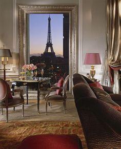 The Plaza Athénée. Eiffel Suite 361 Evening View