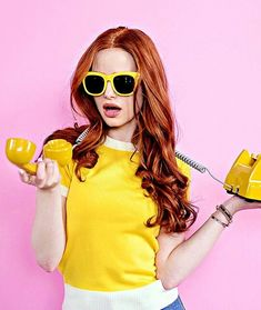 Image discovered by angel. Find images and videos about riverdale, madelaine petsch and cheryl blossom on We Heart It - the app to get lost in what you love. Cheryl Blossom Riverdale, Riverdale Cheryl, Riverdale Cast, Madelaine Petsch, Daphne Blake, Cabello Color Chocolate, Camila Mendes Riverdale, Marilyn Monroe And Audrey Hepburn, Beautiful Actresses