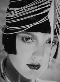 Drew Barrymore by David Lachapelle (vanity fair). - photo via Campbells Loft fb page David Lachapelle, Drew Barrymore, Barrymore Family, Hollywood Glamour, Old Hollywood, Gatsby, Black White Photos, Black And White, Black Bob