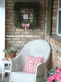 love the wreath w/initial in center