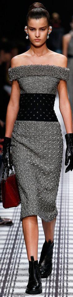 Balenciaga Fall 2015 Ready-to-Wear Fashion Show.the booties gave it another feeling! Fashion Week, Look Fashion, High Fashion, Winter Fashion, Fashion Show, Fashion Design, Fashion Trends, Fashion Ideas, Couture Fashion
