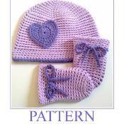 Newborn Hat and Mittens SIMPLICITY - via @Craftsy