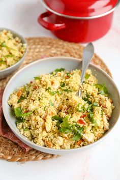 Kip pesto couscous - makkelijke maaltijdsalade - Lekker en Simpel Pesto, Risotto, Fried Rice, New Recipes, Grains, Food Porn, Food And Drink, Lunch, Dinner