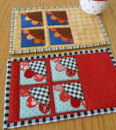 The Sunflower Patch mug rug pattern - two very different designs in one pattern.  This is Version 2 'Postage Stamp'.