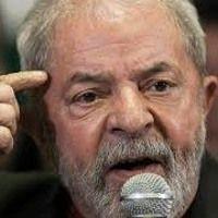 """""""O movimento sindical e o povo brasileiro estão fazendo história, hoje"""", diz Lula de Rádio Brasil Atual na SoundCloud #BrasilEmGreve #GreveGeralnoBrasil"""