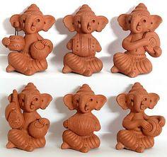 Ethnic Indian Decor: My Love for Natural Terracotta Art Clay Ganesha, Ganesha Art, Lord Ganesha, Jai Ganesh, Shree Ganesh, Ganesha Painting, Clay Art Projects, Clay Crafts, Festival Decorations