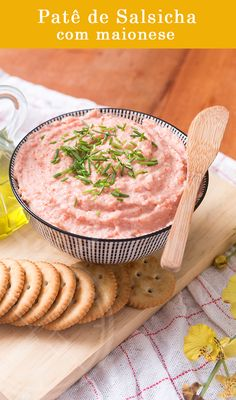 Patê de Salsicha bem temperadinho e perfeito para Sanduíches e comer com torradinhas.