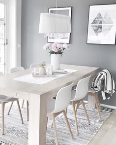 Scandinavian Dining Room Design: Ideas & Inspiration - Di Home Design Scandinavian Interior Design, Scandinavian Living, Scandinavian Christmas, Nordic Design, Sweet Home, Dining Room Design, Dining Rooms, Dining Area, White Dining Table Modern