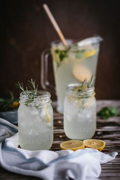 Mint and Rosemary Lemonade with Vanilla - Summer's best drink, lemonade made with rosemary and vanilla. Refreshing and delicious.