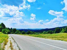 """Vlad au postat pe Instagram: """"#nature #naturephotography #skyphotography #skyporn #shotonhuawei #huaweip30pro #perfectday…"""" • Vezi toate fotografiile şi clipurile pentru @vladbratualexandru în profilul său. Perfect Day, Country Roads, Instagram"""