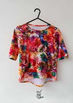Facebook▶▶▶▶▶▶ stefi.fashion.slovakia Instagram▶▶▶▶▶▶ stefi.fashion Floral Tops, Facebook, Blouse, Instagram, Women, Fashion, Moda, Top Flowers, Fashion Styles