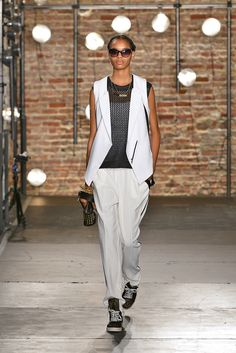 Kenneth Cole Collection - Spring 2014 Ready-to-Wear - Look 22 of 36