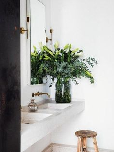 78 space-saving bathroom ideas for small bathrooms ideen marmor 78 space-saving bathroom ideas for small bathrooms Bathroom Interior, Modern Bathroom, Small Bathrooms, Small Baths, Space Saving Bathroom, Ibiza, Low Chair, Small Sink, Bathroom Countertops