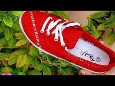 Aprender a tejer crochet en Ganchillo (ALPARGATA CROCHET) - YouTube Crochet Shoes Pattern, Shoe Pattern, Crochet Slippers, Knit Crochet, Flip Flop Sandals, Shoes Sandals, Luxury Shoes, Keds, Espadrilles