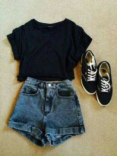 Daily short outfits, outfits for teens, cool outfits, winter outfits, fashion outfits Fashion Mode, Teen Fashion Outfits, Mode Outfits, Street Fashion, Trendy Fashion, Womens Fashion, Feminine Fashion, Fashion Ideas, Fashion Spring