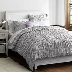 Whether your style is simple or bold, Pottery Barn Teen's girls duvet covers will let your personality show. Find bold colored and printed duvet covers for twin, full, queen and king beds. Bedroom Ideas For Teen Girls Grey, Teen Girl Bedrooms, Trendy Bedroom, Teen Rooms, Kids Rooms, Best Bedding Sets, Luxury Bedding Sets, Girls Duvet Covers, Bed Covers