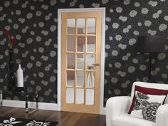 This traditional 15 light unfinished oak door comes with clear bevelled glass.