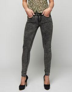 Koop Jeans - Commit RW 5P JU Grey SW Grey Denim / Snowwash Online op shop.brothersjeans.nl voor slechts € 39,95. Vind 86 andere VILA Clothes producten op shop.brothersjeans.nl.