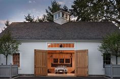 Barn-Style Garage