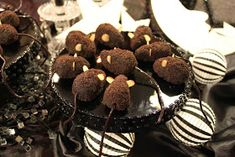 Chocolate mice for The Night Circus. Made easy with Oreo truffles