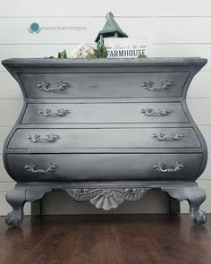 Create your own perfect furniture with Dixie Belle Paint products! We have everything you need for your next project from Chalk Mineral Paint and stains to waxes and glazes. Grey Painted Furniture, Chalk Paint Furniture, Furniture Projects, Furniture Makeover, Dresser Makeovers, Grey Painted Dressers, Furniture Design, Dixie Furniture, Bamboo Furniture