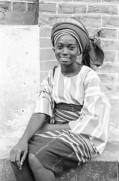 Yoruba woman wearing headtie of her own creation, Ife, Nigeria. Photo by Eliot Elisofon, ca. African Wear, African Women, African Fashion, African Tribes, African Diaspora, African Culture, African History, Yoruba People, Vintage Black Glamour