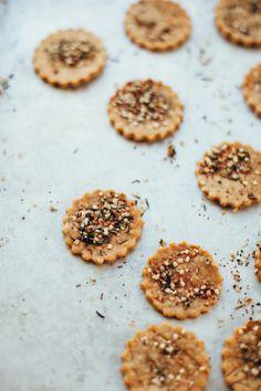 hemp za'atar sorghum crackers gluten free vegan