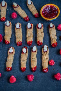 Halloween Hexenfinger Kekse - vegan Child Love, Kids Meals, Motto, Food, Cookies Vegan, Healthy Desserts, Vegan Cake, Baking Cookies, Gluten Free Recipes