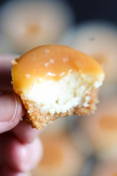 Mini Salted Caramel Cheesecakes | Six Sisters' Stuff