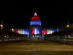 18 Photos Across the globe, notable structures were lit in red, white and blue in a show of solidarity with France after the terrorist attacks in Paris. Monuments, Attentat Paris, Tour Cn, Toronto Cn Tower, San Francisco Sites, Paris Lights, Pray For Paris, Paris 13, Paris Attack