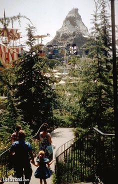 Skyway to Tomorrowland at Disneyland passes right through Glacier Grotto in the Matterhorn. Disneyland History, Vintage Disneyland, Tokyo Disneyland, Disneyland Resort, Disneyland Rides, Disney Dream, Disney Love, Disney Magic, Disney Theme