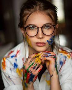 ☁️☁️ - Photographie - - New Ideas Model Poses Photography, Paint Photography, Creative Portrait Photography, Beauty Photography, Beautiful Woman Photography, Photography Ideas, Indoor Photography, Artistic Photography, Portrait Photo Original