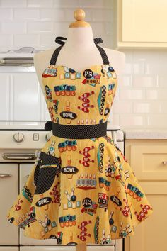 Bowling for dollars! I love bowling and aprons, nice combination here.