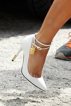 Tom Ford padlock pumps! <3