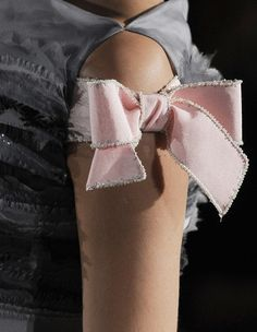 Chanelhaute couture 2013 Silver and Pink Bow