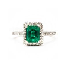 Royal De Versailles 1.26 Carat Green Emerald & Diamond Ring - Ladies 18KT white gold Royal De Versailles emerald and diamonds ring featuring (1)