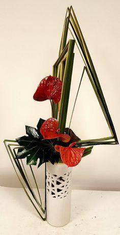 Contemporary Flower Arrangements, Tropical Floral Arrangements, Creative Flower Arrangements, Beautiful Flower Arrangements, Beautiful Flowers, Design Floral, Deco Floral, Arte Floral, Arrangements Ikebana