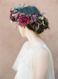 Desert Wedding Inspiration from Ghost Ranch Floral Retreat | Wedding Sparrow | Heather Hawkins Photography