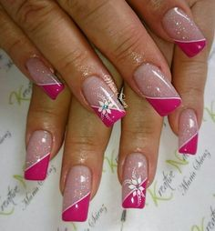 Des motifs d'ongles floraux pour vous inspirer ( page 9 ) - Lilly is Love Pink Nail Art, Cute Acrylic Nails, Pink Nails, French Nail Designs, Acrylic Nail Designs, Nail Art Designs, Fingernail Designs, Pretty Nail Art, Beautiful Nail Art