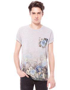 Bershka Ungarn - Shirt Blumendruck