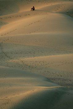 Alone in the Thar Desert (India Khoohdi.) | Seul dans le désert du Thar (Khoohdi. Inde) | Solo en el desierto de Thar (India Khoohdi.)