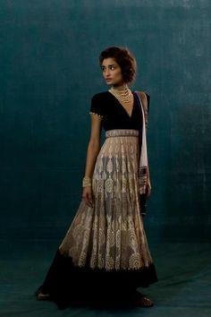 Tarun Tahiliani - Indian Couture Long Anarkali Dress. Gorgeous