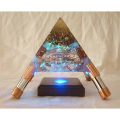 Hight transperency Orgonite Pyramid with glowing light