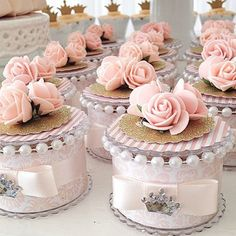 Discover thousands of images about Rola Sinno Wedding Favours, Party Favors, Wedding Gifts, Wedding Bells, Wedding Cake, Shower Favors, Shower Party, Baby Shower, Ideas Para Fiestas