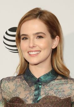 Zoey Deutch Long Wavy Cut - Zoey Deutch looked oh-so-pretty with her gently…