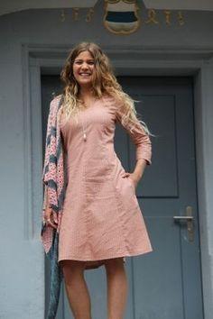 Kleid KARLOTTA / Schnittmuster & Nähanleitung / XS - 3XL - Nähanleitungen bei Makerist