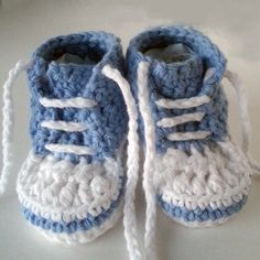 Crochet baby sneakers. Newborn baby converse shoes. by LilCuddles