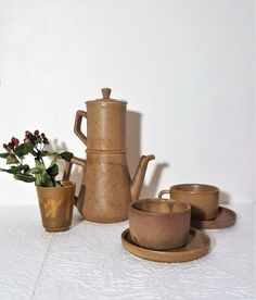 Ceramic Teapots, Vintage Ceramic, Art Nouveau, Golden Decor, Clay Jar, Dining Services, Tea Service, Hygiene, Antique Items