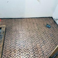 Copper Penny, Copper Coin, Bathroom Flooring, Kitchen Flooring, Penny Flooring, Diy Flooring, Basement Bathroom, Home Design, Design Ideas