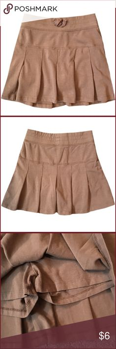 "Children's Place Size 8 Pleated Skort ◾️Worn maybe once or twice. Children's Place pleated brown skort                                                               ◾️13"" in length                                                                                                                              ◾️94% Cotton and 6% Spandex                                                                                                         ◾️Size 8 Children's Place Bottoms Skirts"